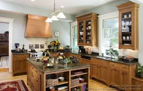 Oak Kitchen Design Traditional Light Wood Kitchen Cabinets 126 Crown Point Com