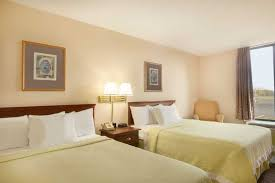 How To Check For Bed Bugs At Hotel Days Hotel Buffalo Airport Buffalo Hotels Ny 14225