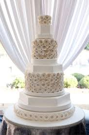 budget wedding cakes inexpensive wedding cakes wedding corners