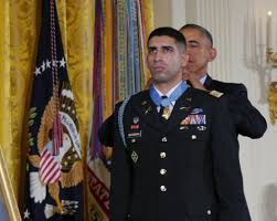 Most Decorated Soldier Currently Serving The 5 Most Decorated Troops In American History Business Insider