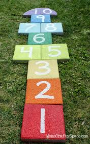 Small Backyard Ideas For Kids 24 Fun Outdoor Diy Projects That Will Keep Your Kids Entertained