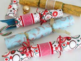 christmas crackers how to make your own christmas crackers squawkfox