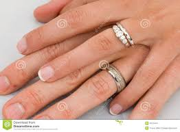 What Finger Does The Wedding Ring Go On by Wedding Rings Ring To What Finger For Wedding Ring What Hand