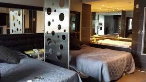 chambre de motel entree de la chambre picture of le fabreville motel et suites