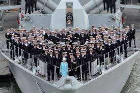 hello sailors queen elizabeth visits crew of british ship nbc news