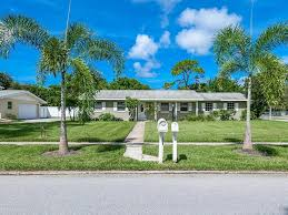 Bradenton Fl Zip Code Map by 1008 Estremadura Dr Bradenton Fl 34209 Mls A4172622 Coldwell