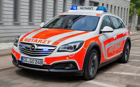 opel insignia 2014 opel insignia country tourer notarzt 2014 wallpapers and hd