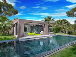 Villa Modern by Playfully Modern Pleasantly Colorful U0026 Beautifully Landscaped