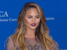 affordable makeup artist this is the 28 moisturizer chrissy teigen s makeup artist swears