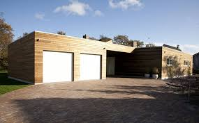 Ranch Designs Ranch House With Glass Fa C3 A7ade And Contemporary Design Garage