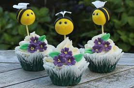 bumble bee decorations bumble bee cake decorations goodtoknow