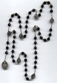 rosary of the seven sorrows how to say the seven sorrows of chaplet and promises given