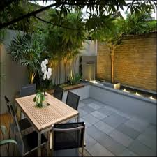 townhouse patio small backyard vegetable garden small backyard