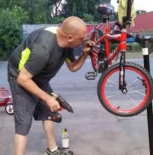 massachusetts auto mechanic spends his final days repairing bikes
