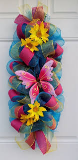 mesh ribbon table decorations 61a9d5a4f22579687e82c56ed27e1d82 jpg 570 1158 holidays