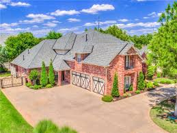 12 Car Garage by Homes For Sale In Oklahoma City Ok With A 3 Car Garage Oklahoma