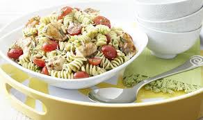recette de salade de pâtes au pesto et au poulet p g au