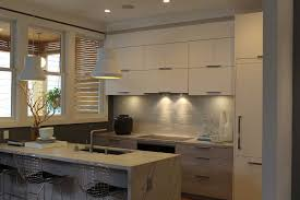 Good Quality Kitchen Cabinets Reviews Traditional Rustic Style Kitchen Alluring Painted White Kitchen
