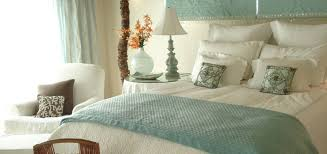 cottage bedroom to create the perfect cozy cottage bedroom in 6 simple steps