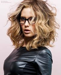 coolest girl hairstyles ever hair cut in a square shape at shoulder level hairstyle for heavy