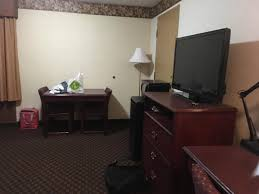 book howard johnson kitchener kitchener hotel deals
