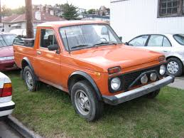 customized truck file vaz 2121 customized to truck jpg wikimedia commons