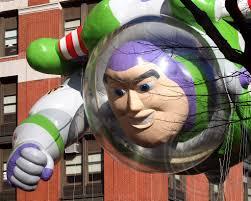 buzz lightyear disney pixar balloon 2012 macy s thanksgiv flickr