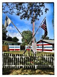 American Flag House Five More Oddball Orlando Properties News Orlando Weekly