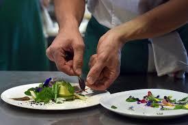 cours de cuisine à deux l atelier des chefs la cuisine en ligne pour remettre les