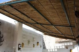 voile d ombrage pour pergola stunning canisse pour pergola images home decorating ideas