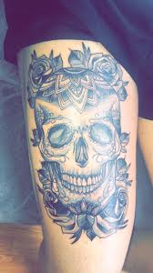 tattoos for women s thighs best 25 skull thigh tattoos ideas on pinterest hip tattoos