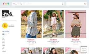 way showcase clothing in e commerce sites