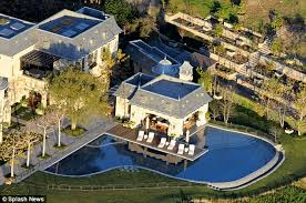 gisele bundchen and tom brady list 50m la u0027fortress u0027 mansion
