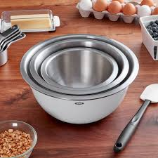 is it ok to mix stainless and white appliances oxo 1107600 grips 3 white insulated heavy duty stainless steel mixing bowl set with non slip bases