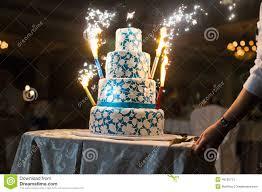 feux d artifice mariage gâteau de mariage avec des feux d artifice photo stock image