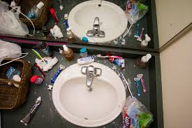 Dorm Bathroom Ideas by How To Keep Your Dorm Bathroom From Becoming A Biohazard
