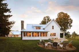 25 white exterior ideas for a bright modern home freshome com