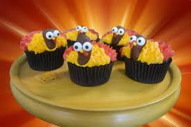 thanksgiving turkey cupcake cake turkey thanksgiving cupcakes with oreo surprise youtube