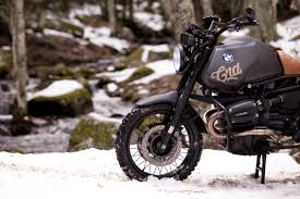 bmw motorcycle cafe racer bmw r1100gs desert by cafe racer dreams autoevolution