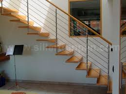 gerade treppe gerade treppe holzstufen ohne setzstufe modern europa