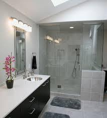 badezimmer weiß grau badezimmer modern gestalten mit trend fliesen kreativliste