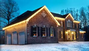 Where To Buy Outdoor Christmas Lights by 5 Reasons To Hire A Professional Holiday Lighting Company