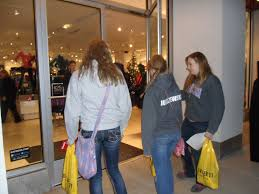 best high end stores black friday deals deals lure shoppers to high end stores in geneva mysuburbanlife com