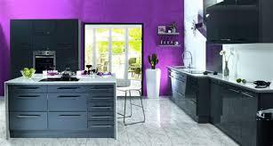 cuisine blanche mur aubergine attractive cuisine blanche mur aubergine 2 cuisine grise et