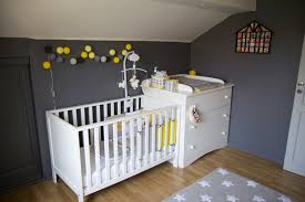 chambre bébé grise et blanche chambre bebe jaune et blanc idées de décoration capreol us