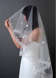 beautiful ivory net yarn flower wedding veil with lace applique