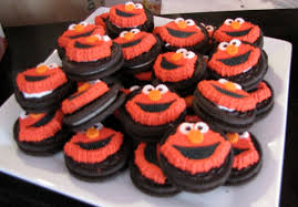 elmo cupcakes elmo themed birthday party diy style ups and downes