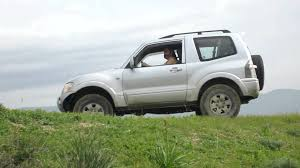 mitsubishi pajero 3 2 di d v60 xt 4 off road traction control
