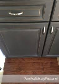 can i use chalk paint on laminate kitchen cabinets chalk paint decorative paint by sloan in graphite