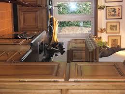 cuisine en chene repeinte cuisine rustique chene transformez les murs de la cuisine de